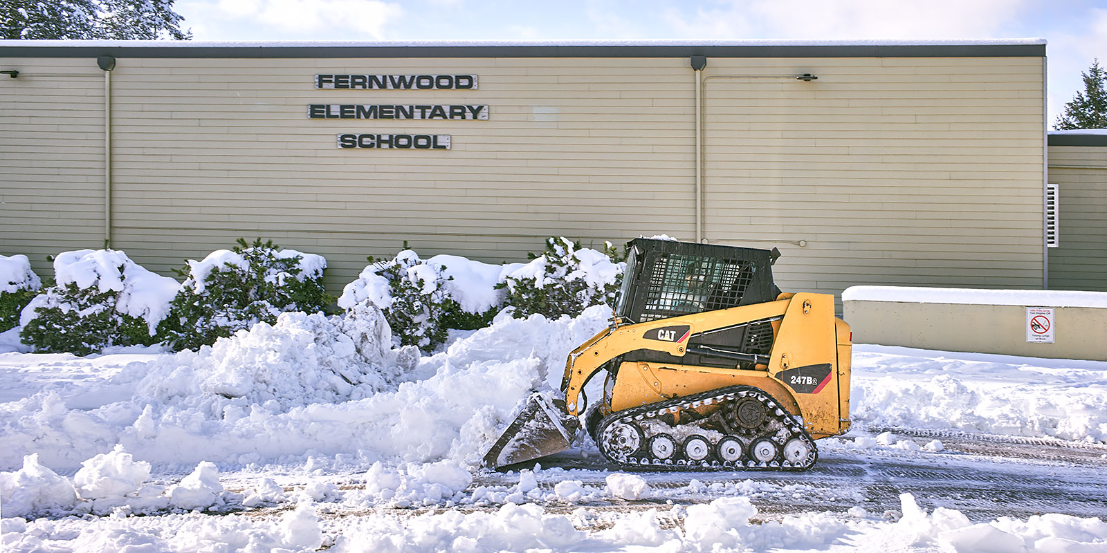 Clearing snow at Fernwood School ©johncameron.ca