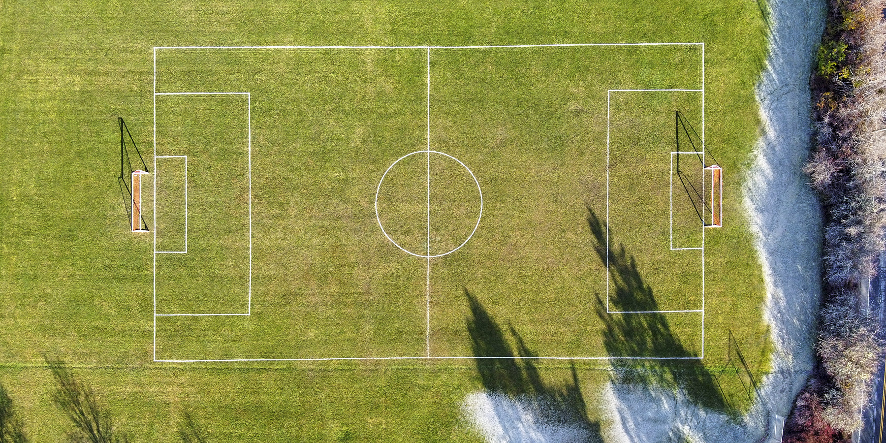 Fernwood Soccer Field on a frosty November morning. (© johncameron.ca)